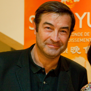 Pierre-<b>Jean Bozo</b>, directeur du journal 20 Minutes en France, <b>...</b> - 2010-04-26-shen_yun_paris_bozo_24_04_10